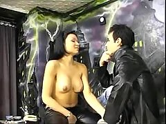 Tranny in stockings fucks in studio