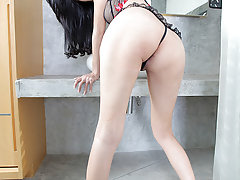Sexy tranny Ne takes a pounding from Ramon!