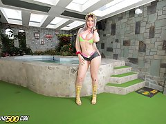 Today Ramon is chillin by the pool taking it easy. He seems to have the surprise for us this time though. The sexy Lexie Beth is in store for some hardcore ass stretching action!